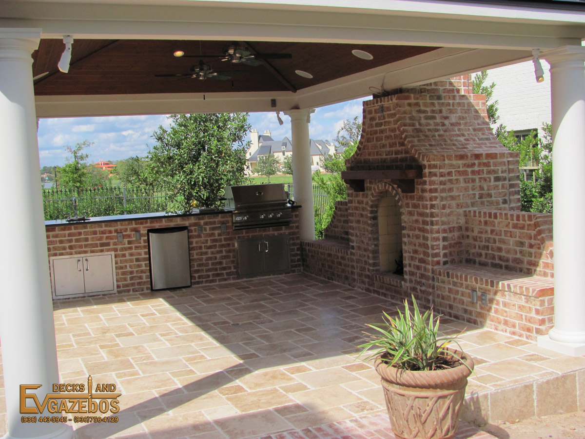 Outdoor Kitchen & Fireplace Builder in Conroe Texas - EV ...